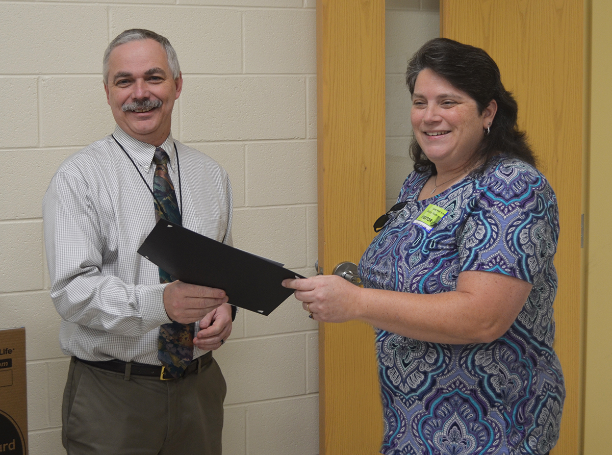 Photo of Steve Johnson and F&M Bank Luray branch coordinator Yvette McCoy
